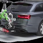 Fahrzeug mit Fahrradträger und 2 e-scootern